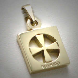 9ct Gold Bushido Cross Thick 1